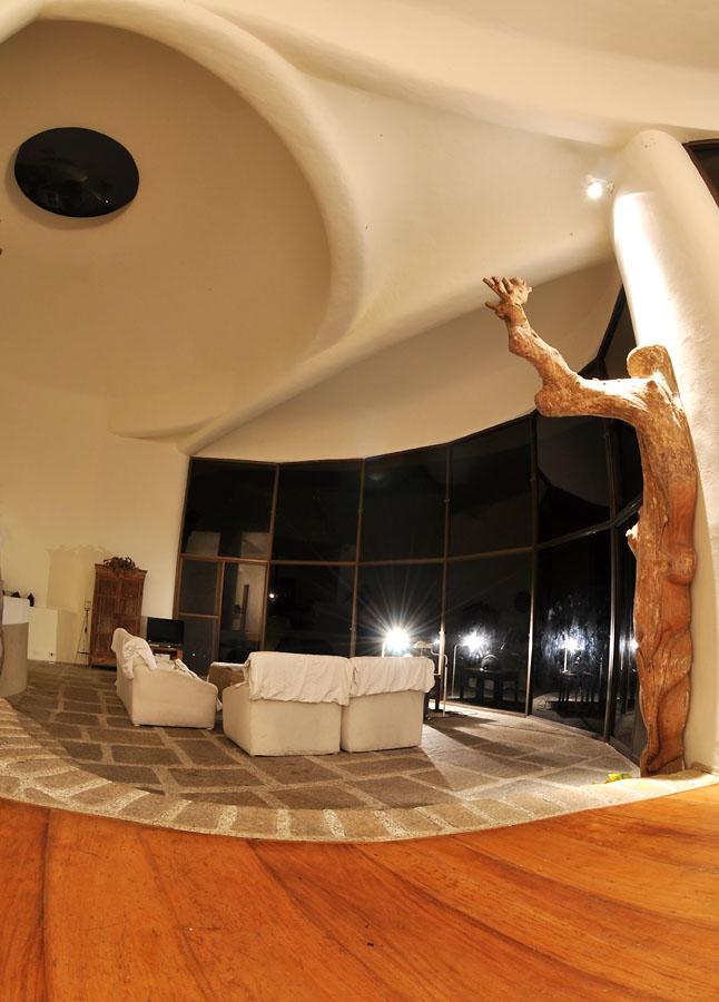 chilline-tagaytay-living-room
